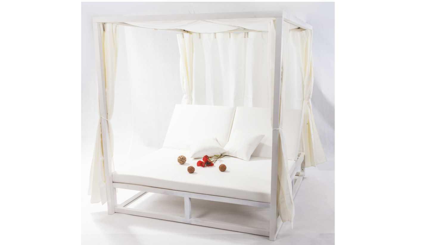 Cama de exterior con piel n utica cabo verde for Muebles exterior tela nautica
